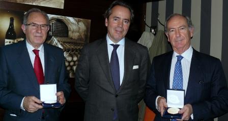 D. Javier Revuelta, presidente de la RFHE con los galardonados