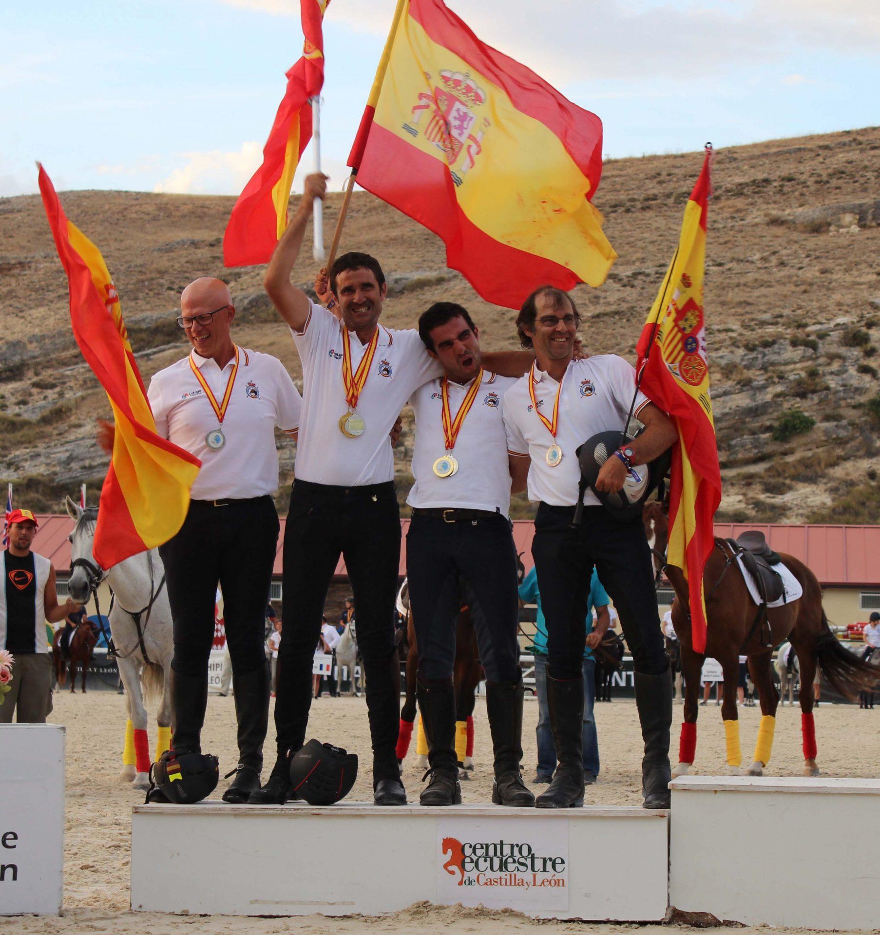 Plata por equipos en el MundialSenior de TREC