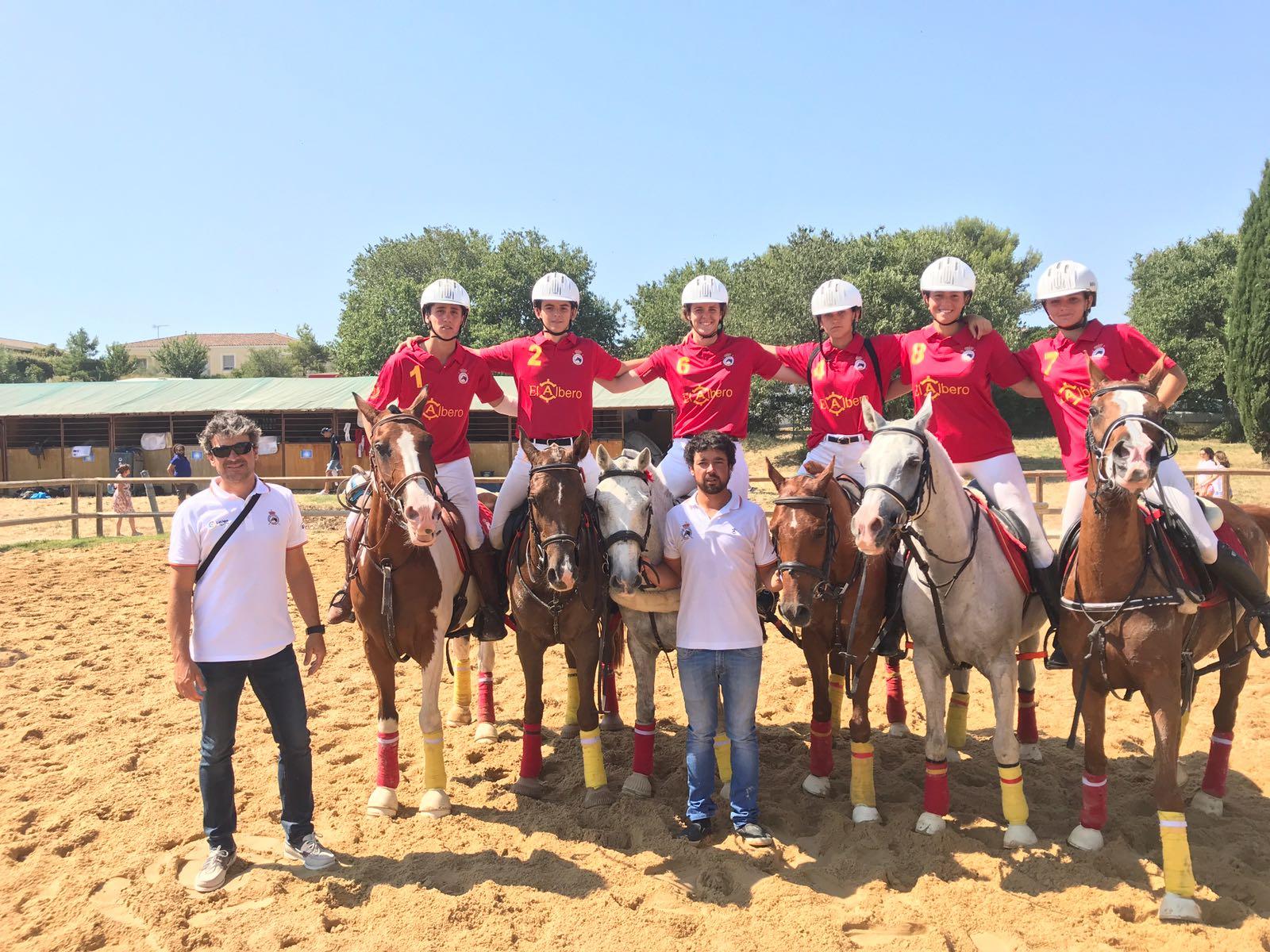 Jugadores, caballos y técnicos